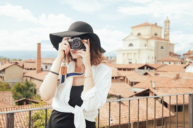 fotografka s kloboukem