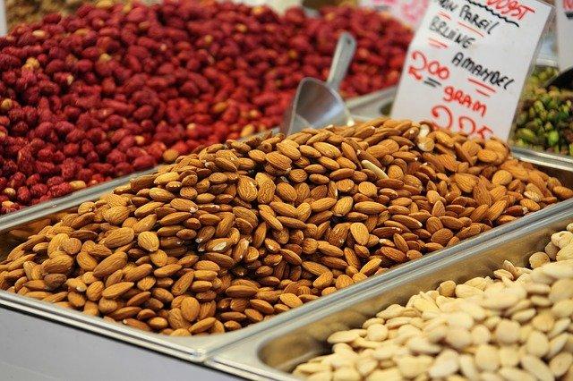 prodej ořechů