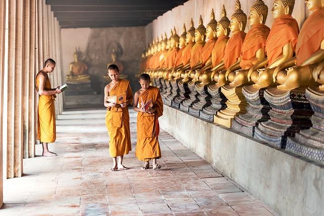 čtení u Buddhy
