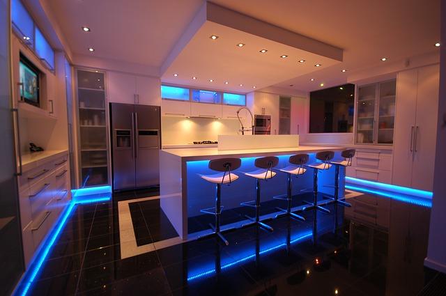 kuchyň s modrýv podsvícením