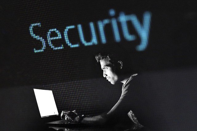zločin hackování
