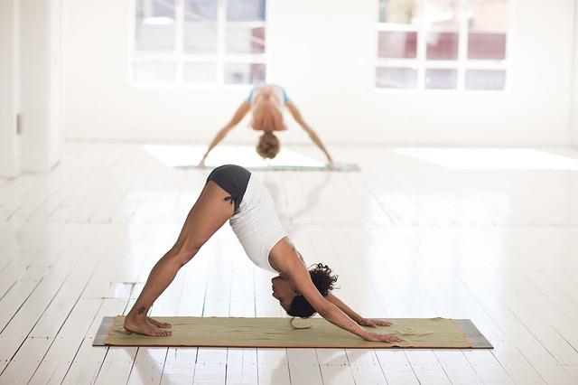 cvičení jógy.jpg