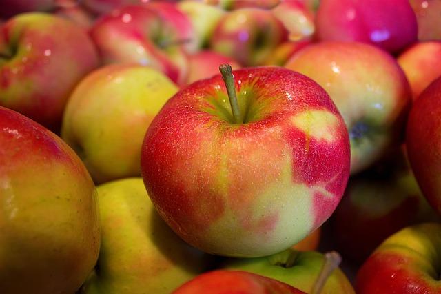 jablka jonagold.jpg