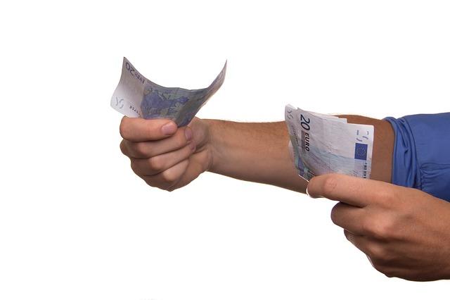 předávání hotovosti