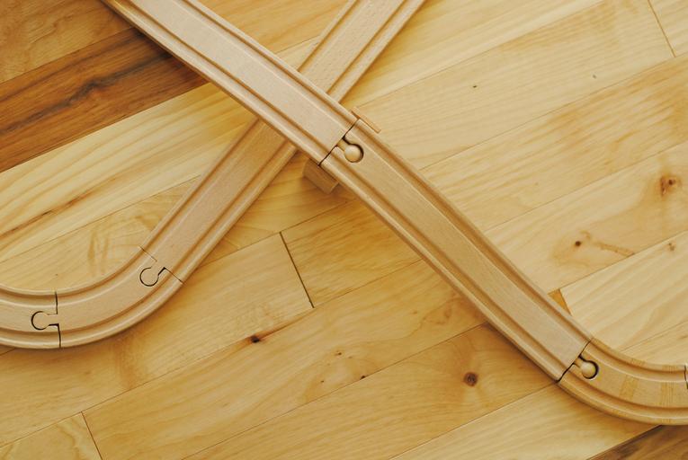 vláčkodráha ze dřeva.jpg
