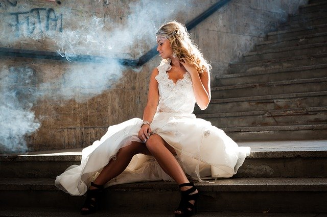 blonďatá nevěsta
